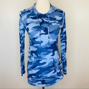 Vince Camuto Blue Camouflage Hoodie Size PM